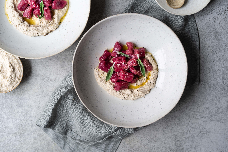 Seeberger Vegane Rote Rübe Gnocchi mit Walnuss Pesto und Salbei Butter